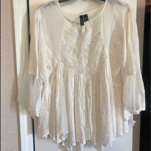 Tops - ⭐️ 2 for$10.  Fun & Flirt off white blouse. L.